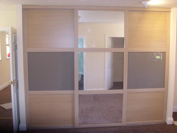 Bespoke Fitted Slidind Wardrobes